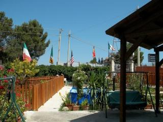 3 bedroom B&B with Internet Access in Bolognetta - Bolognetta vacation rentals