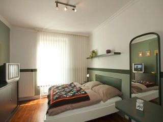 Vacation Apartment in Hamburg - comfortably furnished, central (# 2531) - Buxtehude vacation rentals