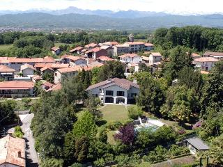 Vergante Estate holiday vacation large villa rental italy, lake district, italian lakes region, lake maggiore, lake orta, holida - Piedmont vacation rentals