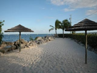 4 Bedroom with guest quarters! 612 Mariners Club - Key Largo vacation rentals
