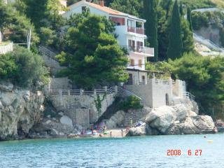 3 bedroom condo directly at the beach 45 km -Split - Pisak vacation rentals