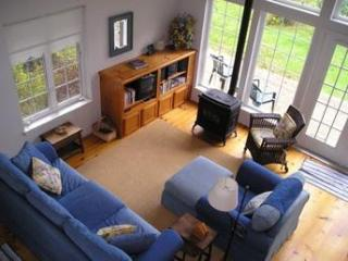 Cozy, elegant cottage on Whidbey Island , WA. - Langley vacation rentals
