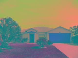SUNSETS...BEACH TRIPS...WELCOME TO PARADISE! - Cape Coral vacation rentals