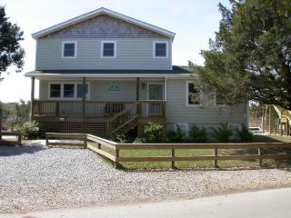 Cozy 3 bedroom Ocracoke Cottage with Deck - Ocracoke vacation rentals