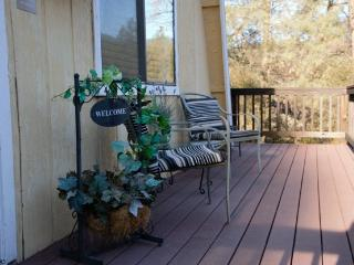 Old Oak Hideaway - choice of entrances to YNP! - Mariposa vacation rentals