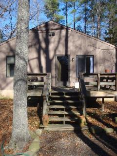 Comfortable Condo with Deck and Internet Access - Carrboro vacation rentals