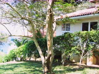 Contadora Villa on oceanfront Property/with beach - Contadora Island vacation rentals
