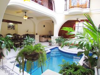 Beautiful 2 bedroom House in Granada with Internet Access - Granada vacation rentals