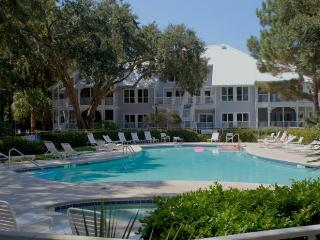 PORT ROYAL: Golf Included!  Walk to Beach! - Hilton Head vacation rentals