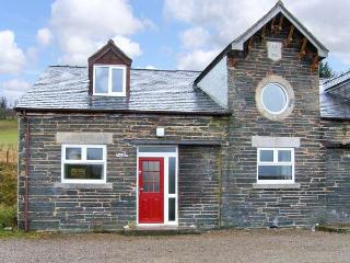 HENDRE ALED COTTAGE 3, romantic retreat, with en-suite bedroom and open plan living area, in Llansannan, Ref 6479 - Denbigh vacation rentals