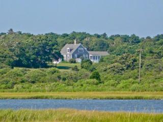CHAPPY COLONIAL ON KATAMA BAY - CHP KSTE-15 - Chappaquiddick vacation rentals