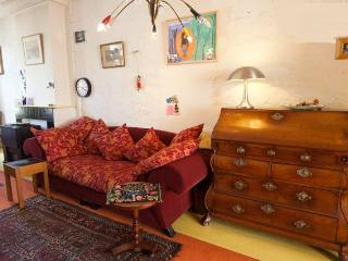 A Sunny Apartment in Amsterdam Centre and a 2014 TripAdvisor Winner!! - Amsterdam vacation rentals