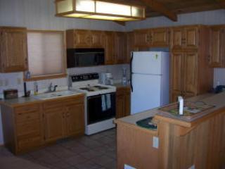 Kitchen - Vattuone - Truckee - rentals