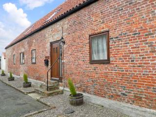 HAYLOFT COTTAGE, barn conversion, with open plan living area, roll top bath, and three bedrooms, in Stokesley, Ref 13999 - Stokesley vacation rentals
