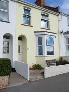 Mariner's View cottage, Weymouth, England sleeps 4 - Weymouth vacation rentals