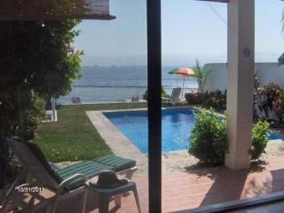 Oceanfront, 2 Bdrm Townhome, Private Pool, Wi-Fi - Bucerias vacation rentals