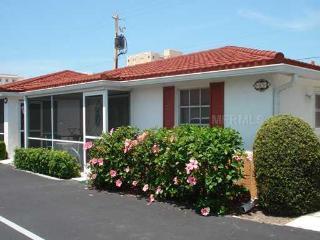 Siesta Key Beach Villa! 20% DISCOUNT Thru MAY 2015 - Siesta Key vacation rentals