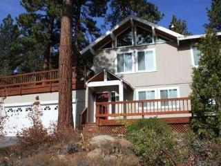 Sullivan - hot tub, pets ok, close to Tahoe City - North Tahoe vacation rentals