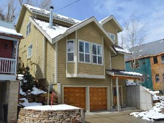Bright House with Internet Access and Dishwasher - Park City vacation rentals