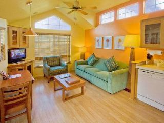 Charming cottages along the Napa River with easy access to wineries and attractions - Napa Valley vacation rentals