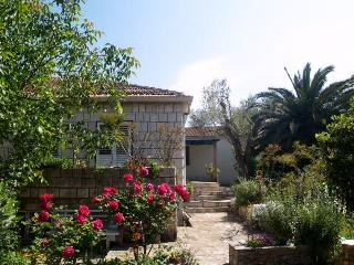 Beautiful 1 bedroom Korcula Town Condo with Internet Access - Korcula Town vacation rentals