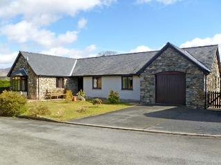 Y GILFACH, detached bungalow, in National Park in village of Gellilydan Ref 13587 - Gellilydan vacation rentals