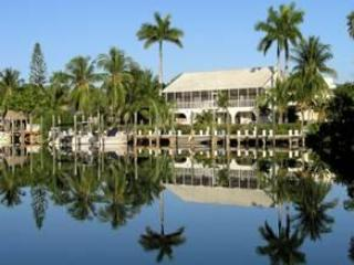 DOCK AND BACK OF HOME - Royal Palm House - Marathon - rentals