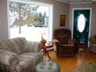 5 bedroom vacation rental home in Northern Maine - Saint David vacation rentals