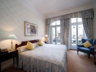 Mayfair Superior 3 Bedroom/2 Bathroom Apartment - Image 1 - London - rentals