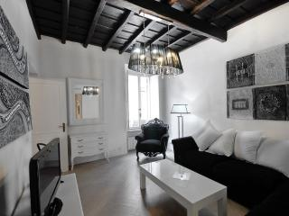 Luxury 3Bdrs 2Bths in the Heart of Rome (Grace) - Rome vacation rentals