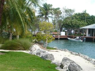 Perfect Villa with Internet Access and Satellite Or Cable TV - Islamorada vacation rentals