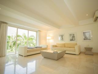 Beautiful 1 Bedroom Apartment in Cartagena - Colombia vacation rentals