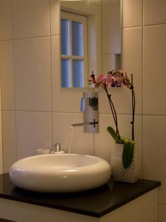 Bright 2 bedroom Schoorl B&B with Internet Access - Schoorl vacation rentals