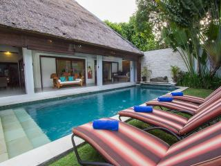 Villa Kamboja Junior, 2 bdr  POOL FENCE YES OR NO - Legian vacation rentals