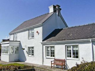 TYDDYN GYRFA COTTAGE, a character holiday cottage, with three bedrooms, open - Cemaes Bay vacation rentals