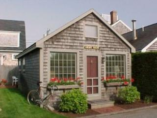 1 Bedroom 1 Bathroom Vacation Rental in Nantucket that sleeps 2 -(10153) - Nantucket vacation rentals
