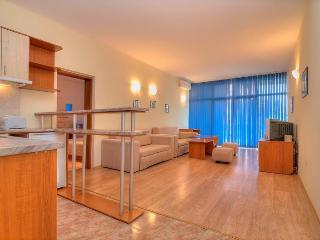 Apartment Central Sunny Beach sleeps 6 - Sunny Beach vacation rentals