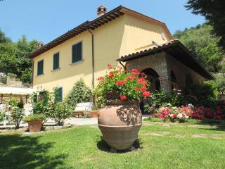 Vacatoin Rentals at Le Celle Del Farinaio in Cortona, Tuscany - Cortona vacation rentals