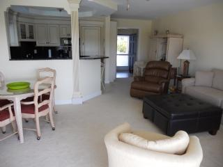 Living Area - CHIC and modern Condo in Waterfront Complex-Quiet and Quaint Complex - Marco Island - rentals