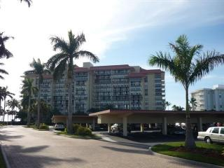 Building - Tradewinds 1011 - Marco Island - rentals