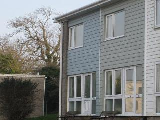 'Periwinkle', 41 Freshwater Bay Holiday Village - Freshwater East vacation rentals