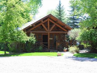 Ennis Homestead Madison Cabin - Ennis vacation rentals
