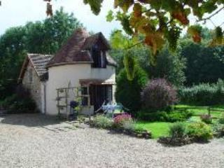 "EN LA MARRE  APARTMENT ""PIGEONNIER"" - BURGUNDY - Couches-les-Mines vacation rentals"