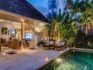 RELAX & UNWIND IN THE HEART OF SEMINYAK - Seminyak vacation rentals