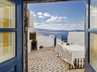 Perfect Oia vacation House with Balcony - Oia vacation rentals