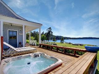 Waterfront Home Near Roche Harbor w/Hot Tub! - (Baute Bay Cottage) - Friday Harbor vacation rentals