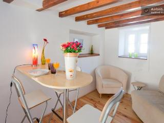 MOURARIA III, historic duplex in Lisbon centre - Lisbon vacation rentals
