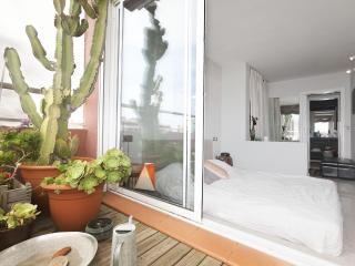 Be Barcelona Marina beach cactus terrace, up to 4! - Barcelona vacation rentals