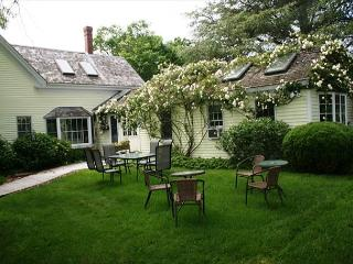 ORLEANS HISTORIC 1860'S ANTIQUE HOME WITH ORIGINAL FEATURES AND CHARM - East Orleans vacation rentals