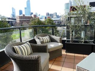 Melbourne Central Rivergarden Family Apartment - Melbourne vacation rentals